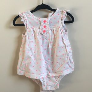 White romper suit w pink hearts